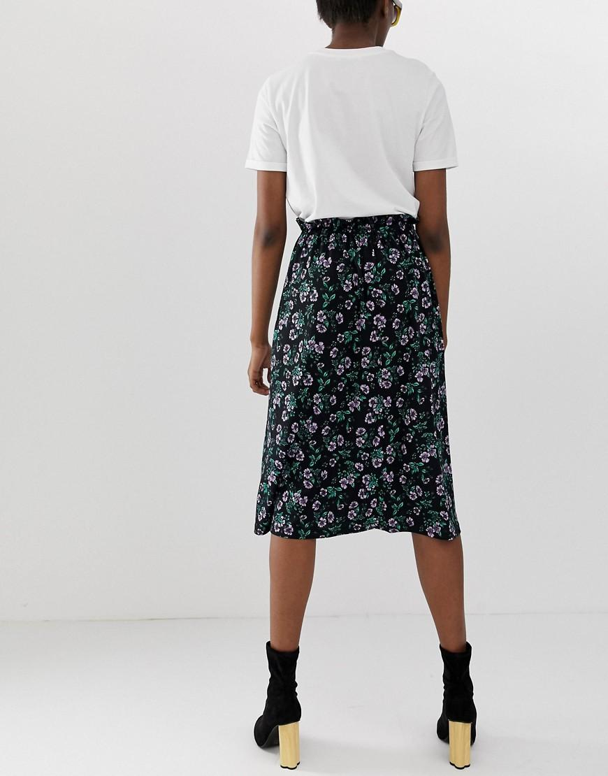 2ad4b043a Lyst - Pieces Floral Midi Skirt in Black