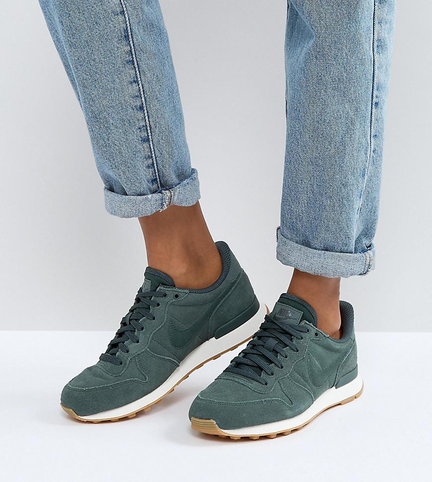 hot sale online 6932e f2083 Nike Internationalist Trainers In Vintage Green in Green - Lyst