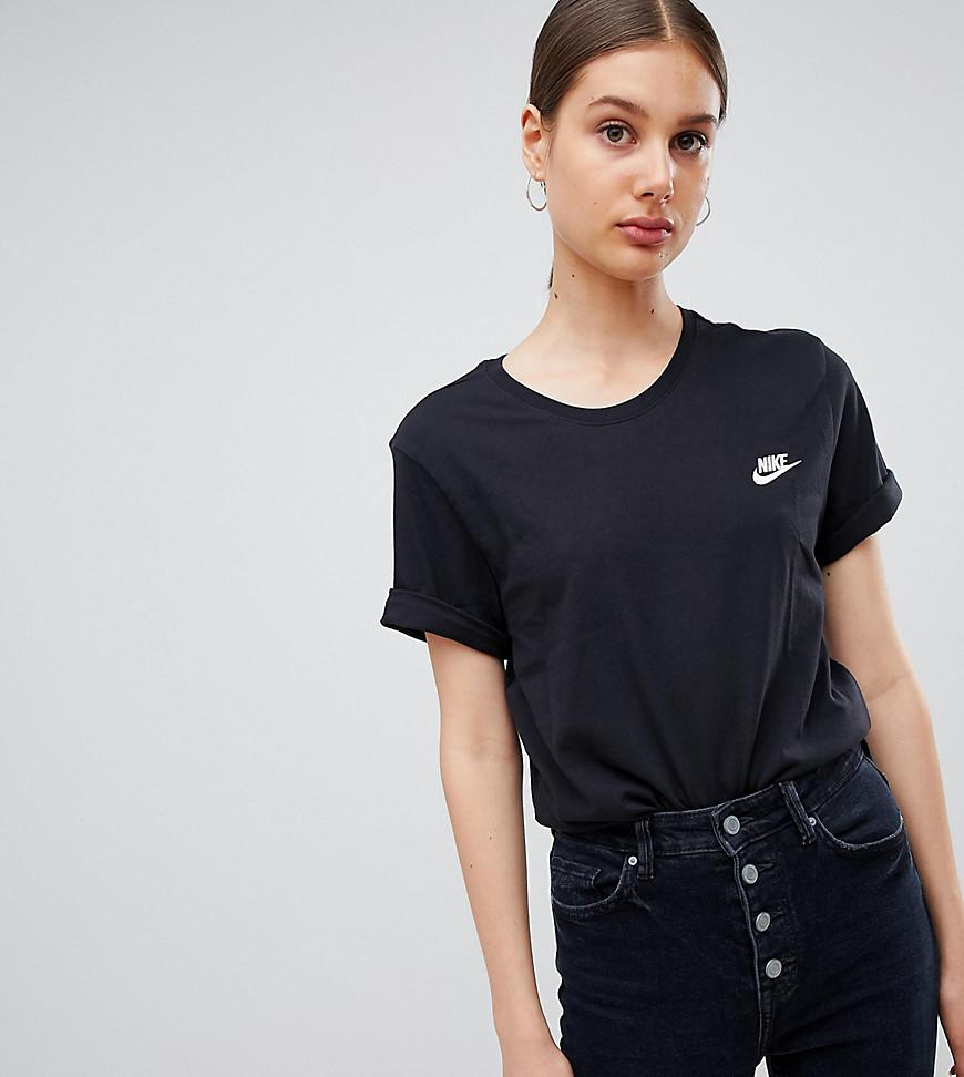 a524e995fab671 Lyst - Nike Schwarzes Boyfriend-T-Shirt mit Logostickerei in Schwarz