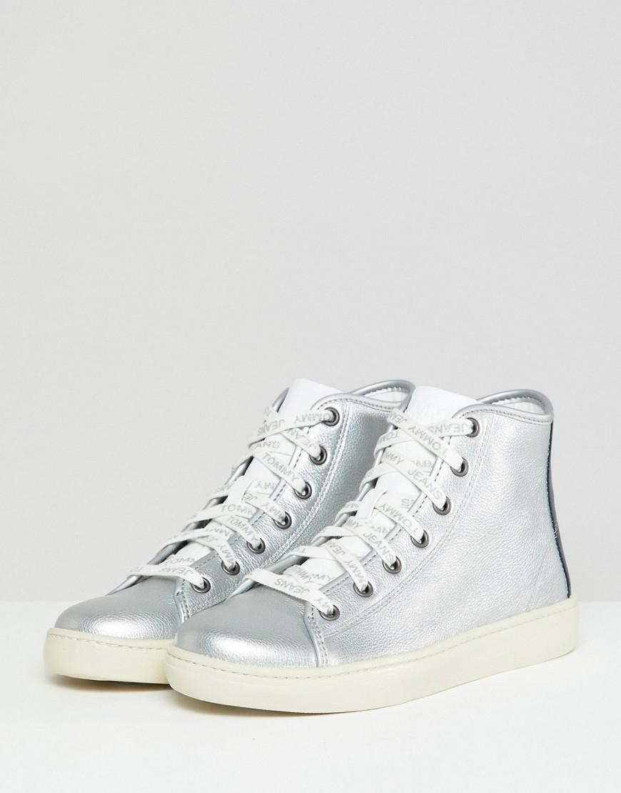 7eb473887fd4 Lyst - Tommy Hilfiger Leather High Top Sneaker With Flag Heel Detail ...