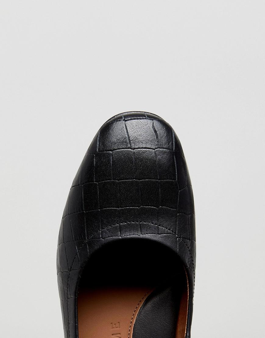 Selected Heeled Court Shoe in Black