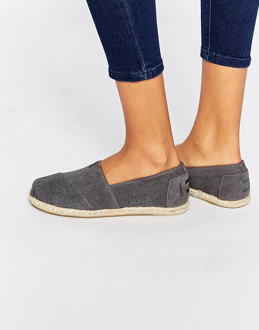 2674d1e4ab3 TOMS Classic Grey Suede Moroccan Flat Shoes in Gray - Lyst