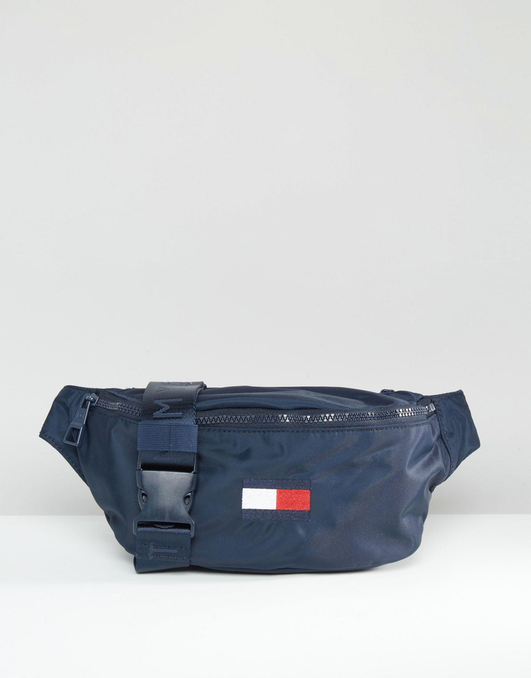 lyst tommy hilfiger exclusive flag fanny pack in blue. Black Bedroom Furniture Sets. Home Design Ideas