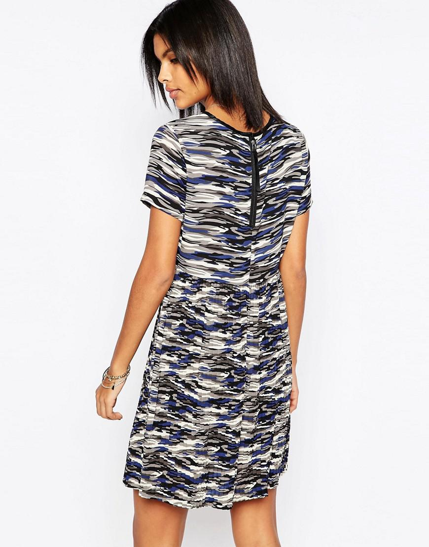 4efd6b30baeb Lyst - Pepe Jeans Gannet Camo Dress With Pleated Skirt in Gray