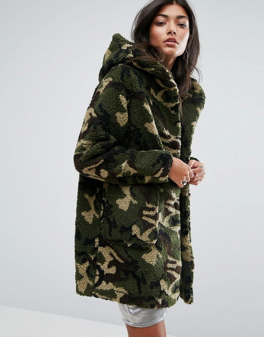 lyst pull bear faux fur camo hooded jacket in green. Black Bedroom Furniture Sets. Home Design Ideas