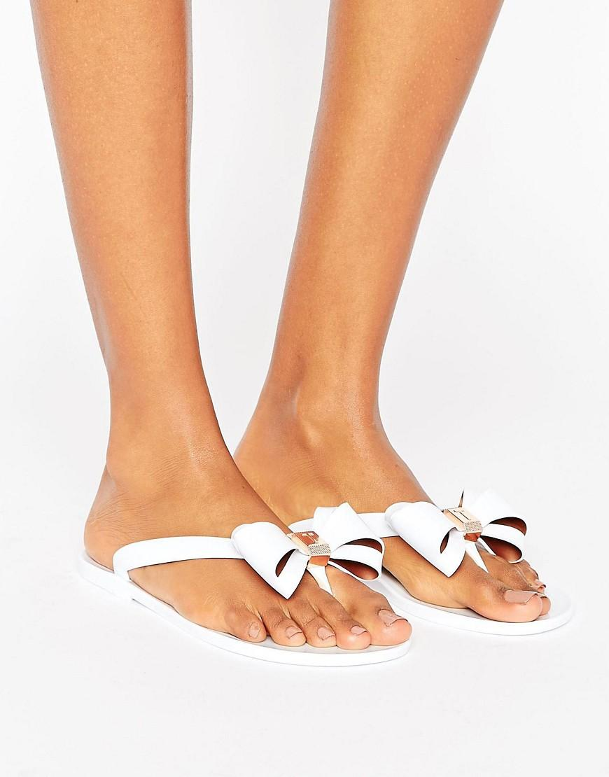 013487a6159544 Ted Baker Rueday Sketchbook Bow Flip Flops in White - Lyst