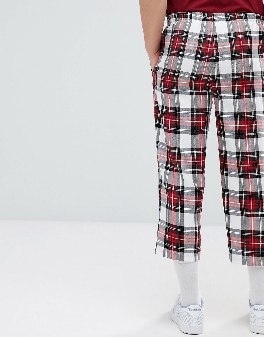 Inspired Cropped Relaxed Trouser In Check - Red Reclaimed Vintage YOi7f1