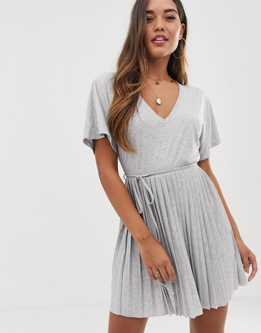 a86a4faa2e0b Lyst - ASOS V Neck Mini Dress With Pleated Skirt And Self Belt in Gray