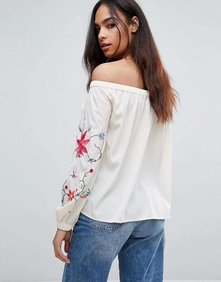 b726e60f9986d1 Lyst - Boohoo Off The Shoulder Floral Embroidered Top in White