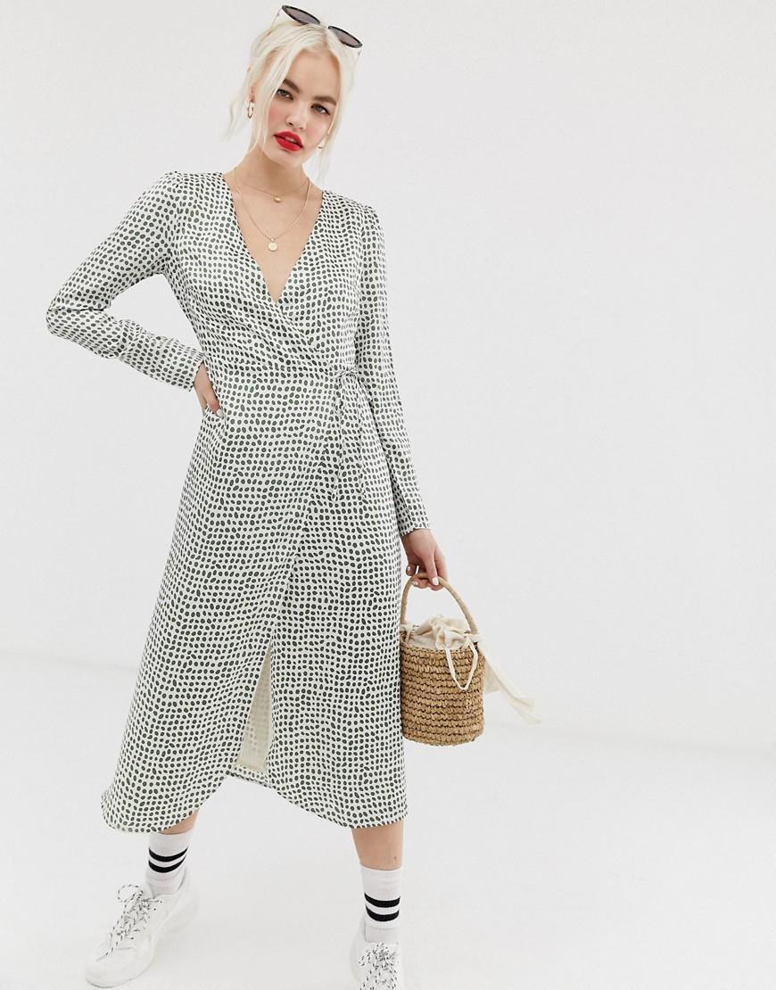 a4264c66a7bb Glamorous Midi Wrap Dress In Olive Print - Lyst