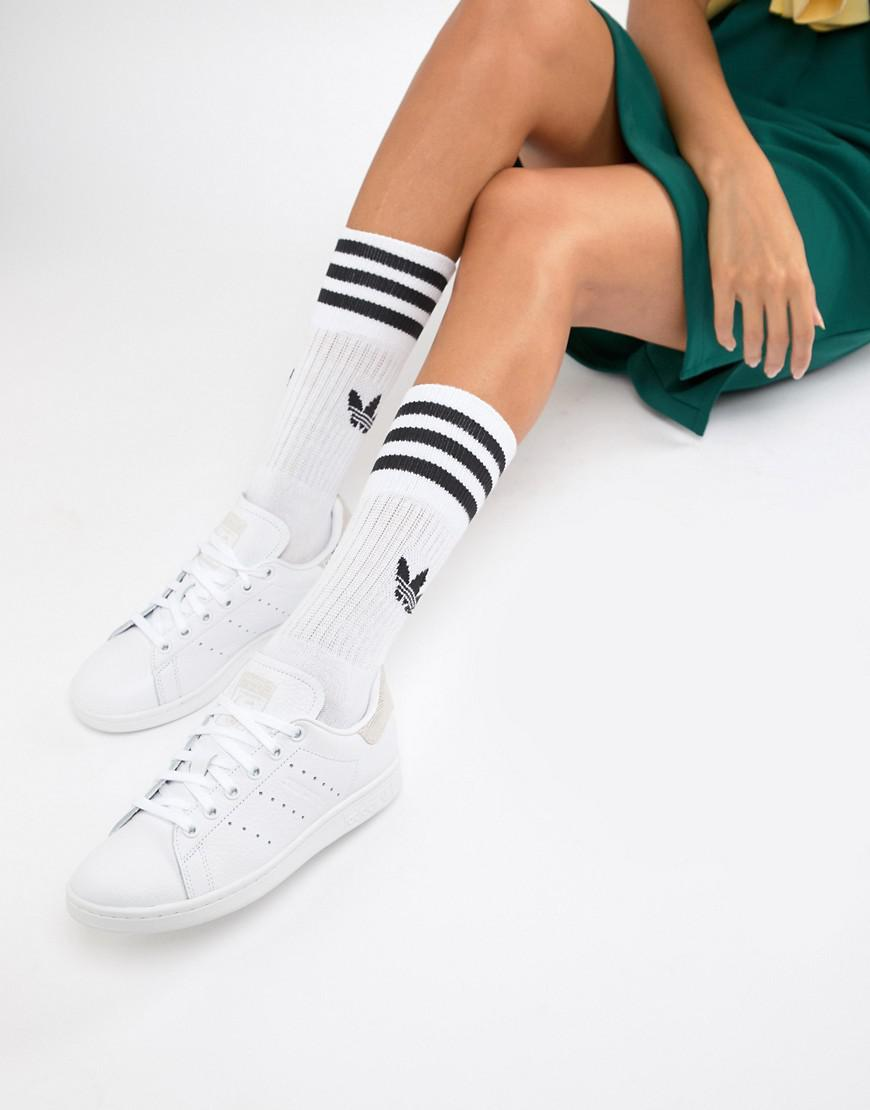 differently d91dc aa9cb adidas Originals. Women s Stan Smith Trainers In White And Pink