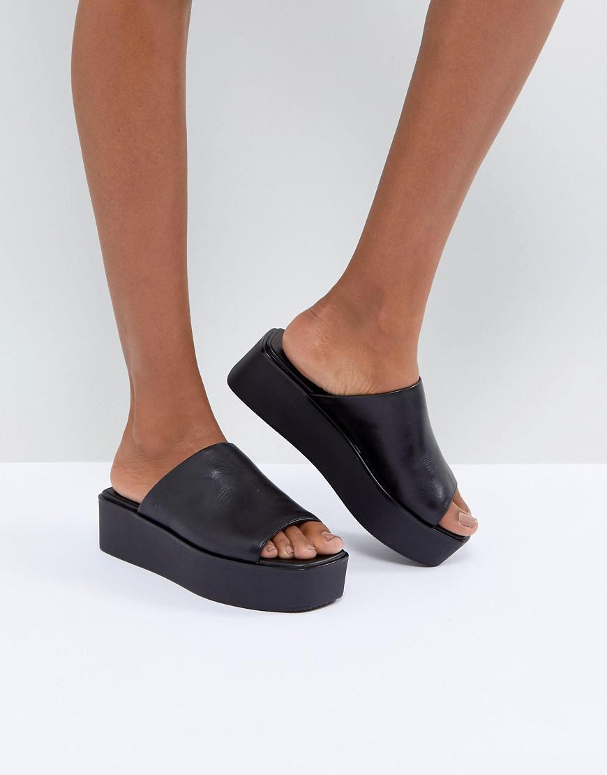 69f377af7fa Lyst - Vagabond Bonnie Black Leather Platform Slides in Black