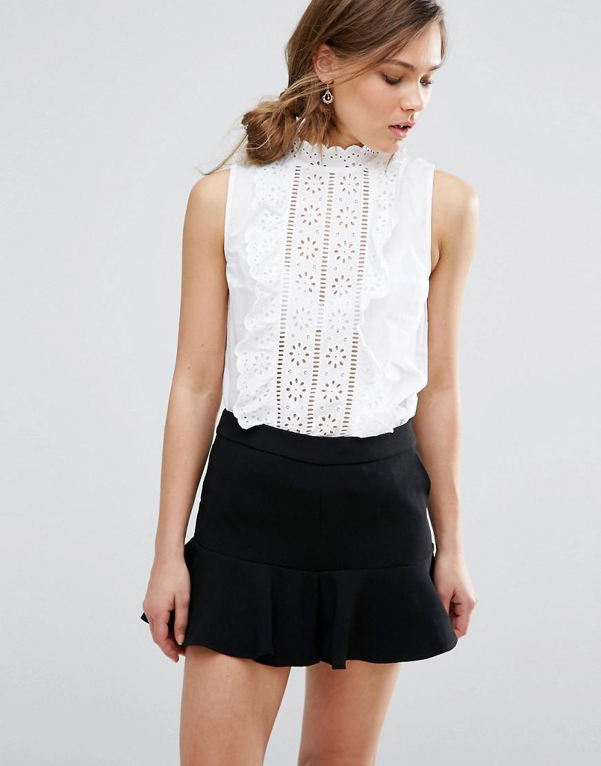 e77cf18d761e59 New Look Cutwork Frill Sleeveless Top in White - Lyst