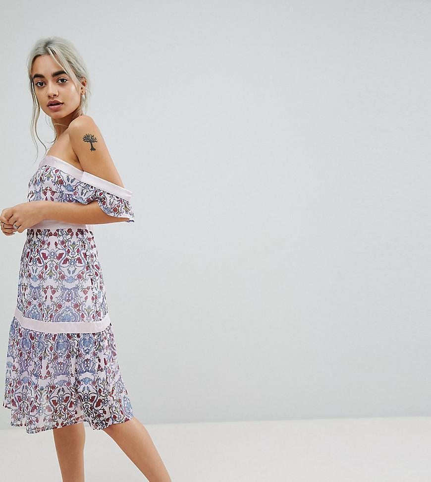 c0865f88b4e7 Vero Moda. Women s Paisley Print Cold Shoulder Midi Dress