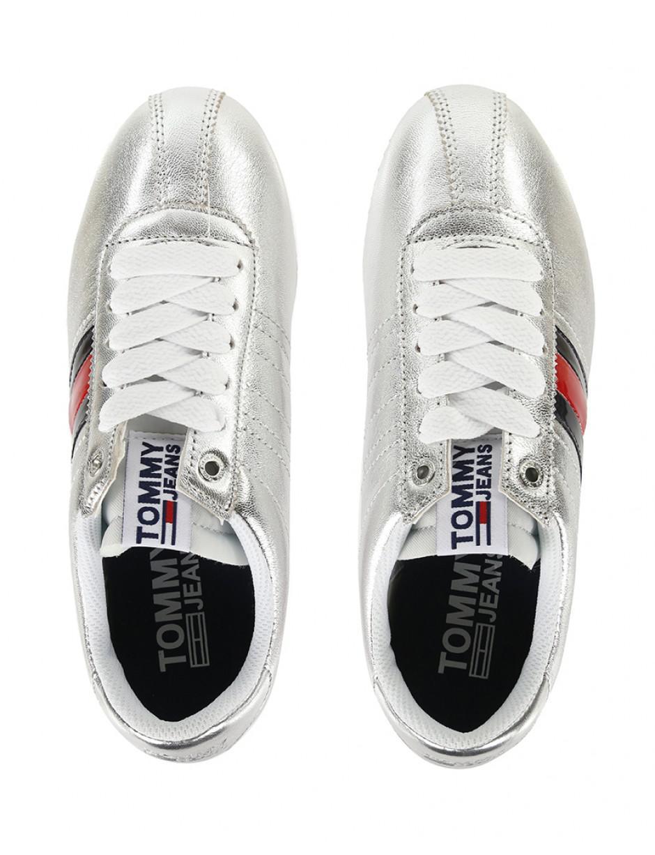 5a824fb88 Tommy Hilfiger Women s Retro Sneakers in Metallic - Lyst