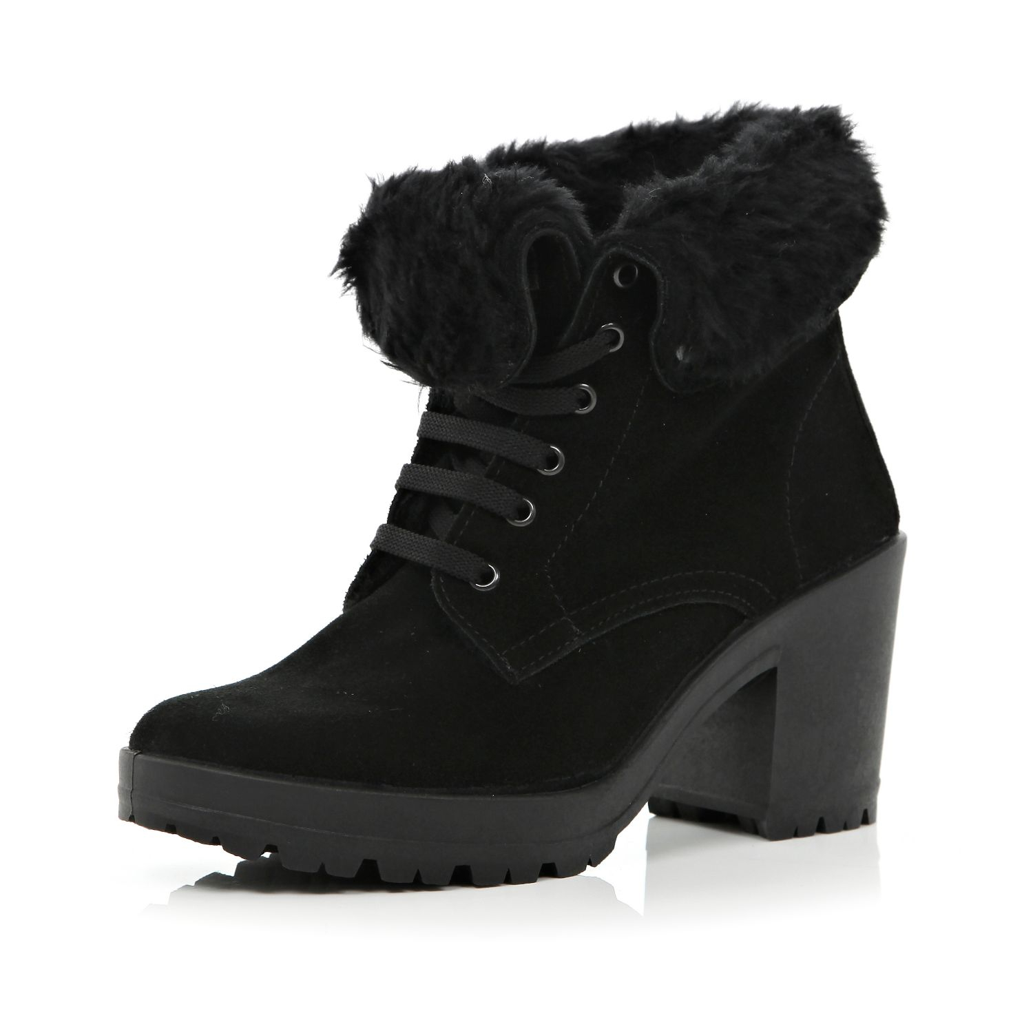 Fur lined boots trap air in the fabric and keeps our feet warm, despite freezing temperatures. The fur lining also means a snug fit and maximum comfort. And with brands like Emu and Roxy, you can find a vast range of fur lined boots that are as stylish on the outside as they are cosy on the inside.