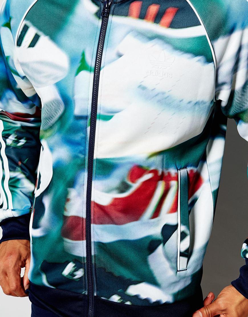 lyst adidas originali traccia giacca nel caos stampare in verde per gli uomini.
