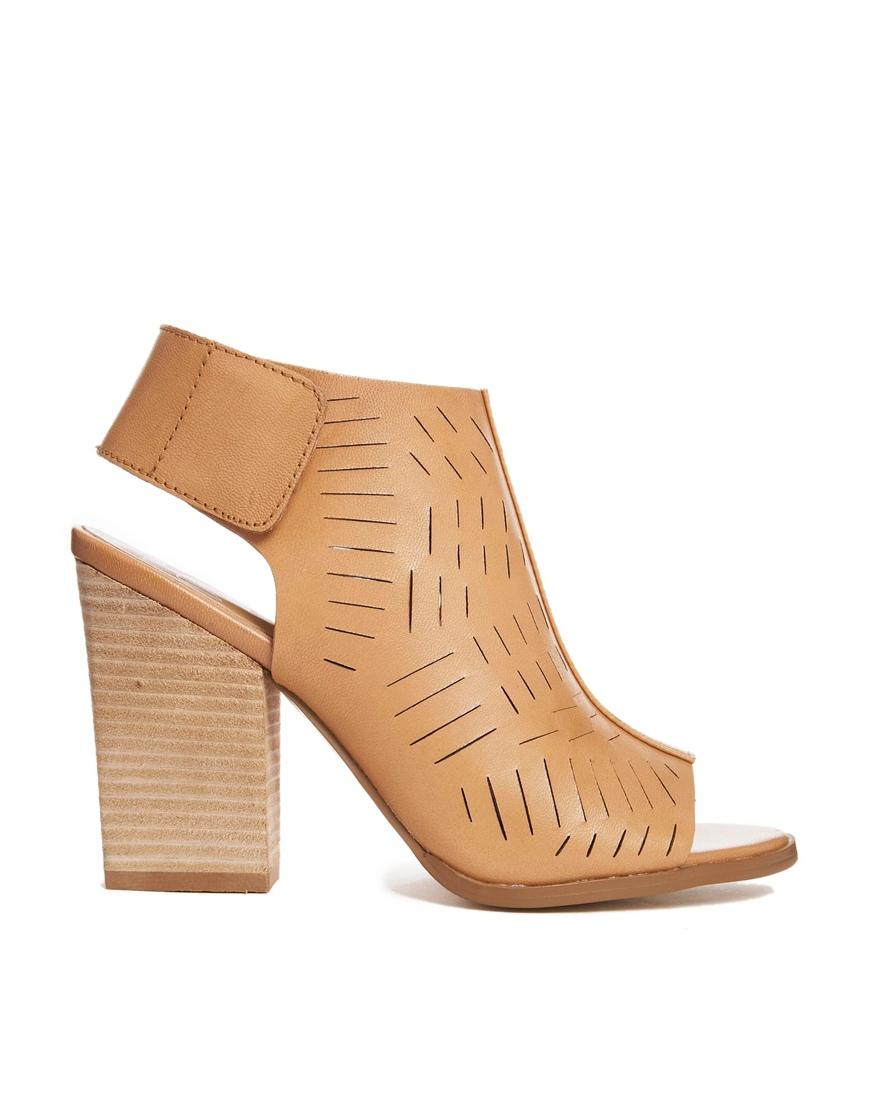 Report Signature Shoes Uk