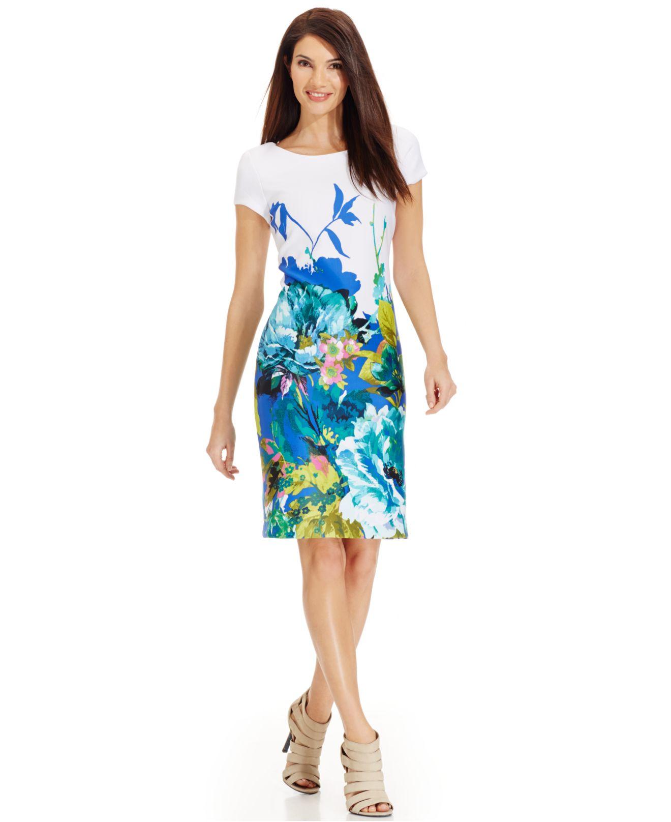 3204d2c62f Lyst - Sandra Darren Petite Floral-Print Scuba Sheath Dress