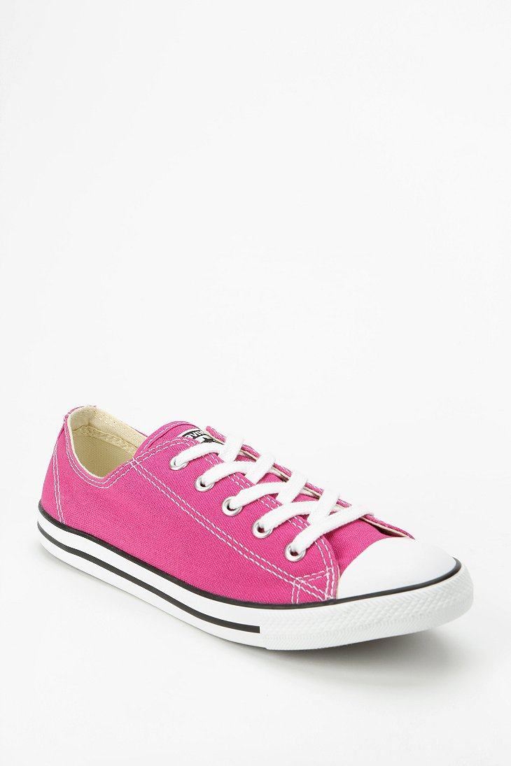 7fd137939bebad Gallery. Previously sold at  Urban Outfitters · Women s Converse Chuck  Taylor ...