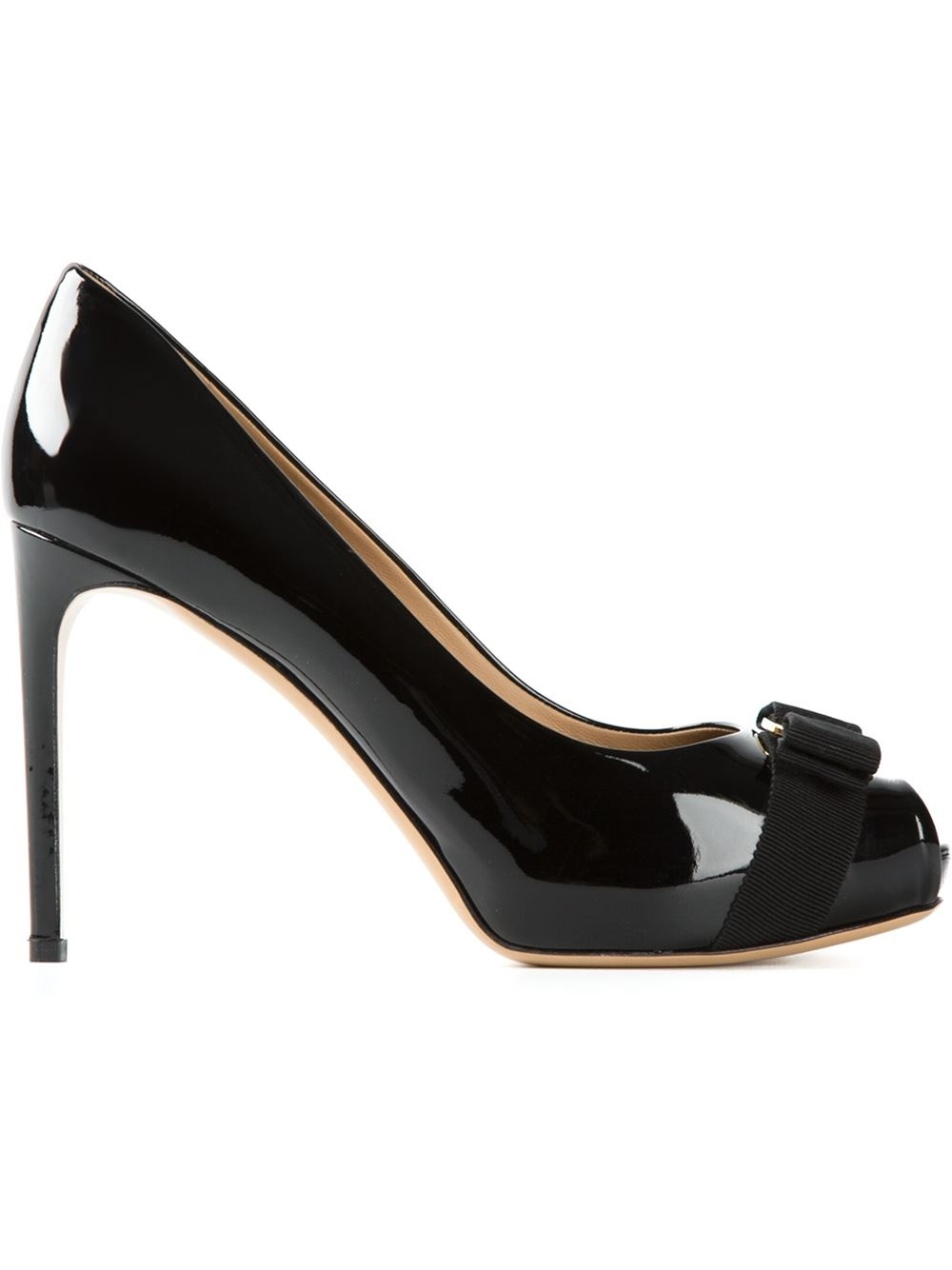 e4272efe6247 Lyst - Ferragamo  Talia  Pumps in Black