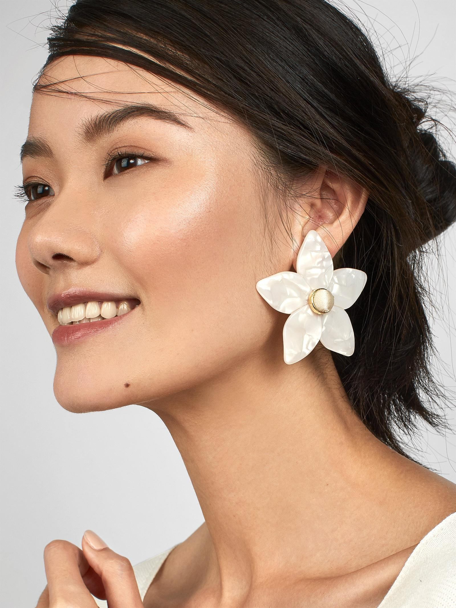 BaubleBar Amariella Flower Stud Resin Earrings Q6HzMHS