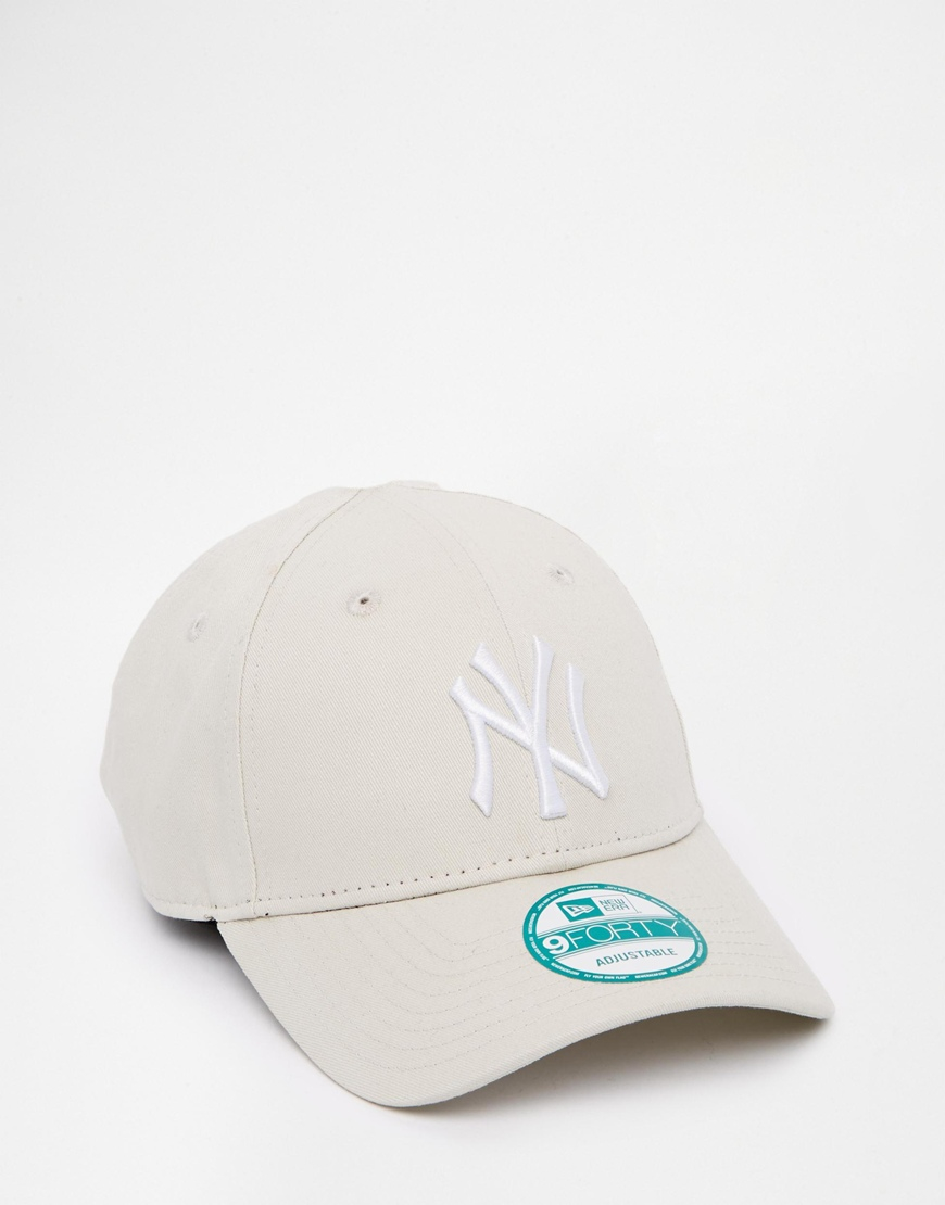 ee50a58e australia lyst ktz 9forty ny yankees adjustable cap in natural for men  9bb56 1e34f