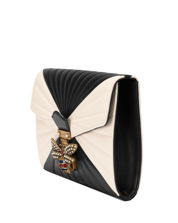 dad7ef5a86feff Gucci Small Linea Bee Clutch Bag in Black - Lyst