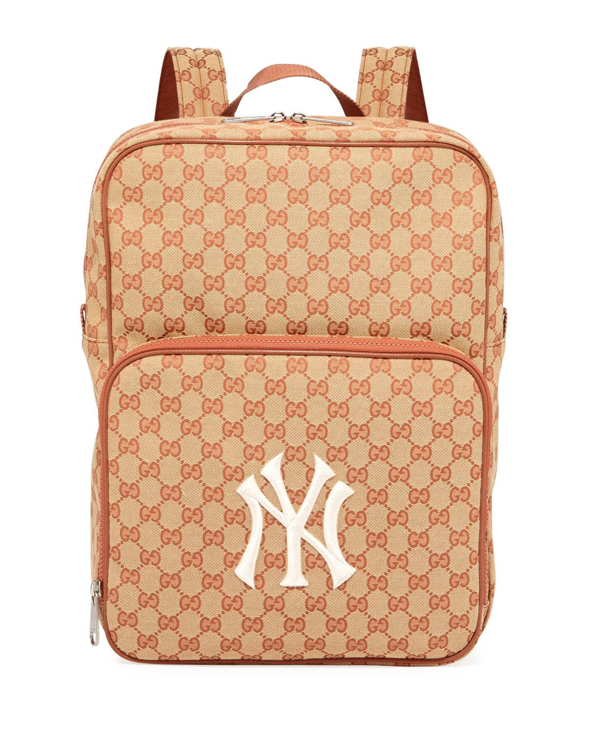 0fe56d5677e09b Gucci Men's GG Supreme Backpack With Ny Yankees Mlb Applique in ...