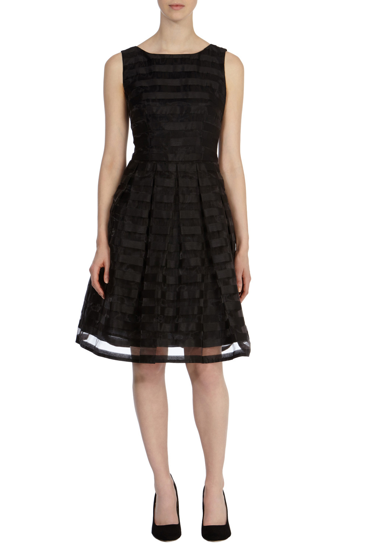 Black dress coast - Gallery
