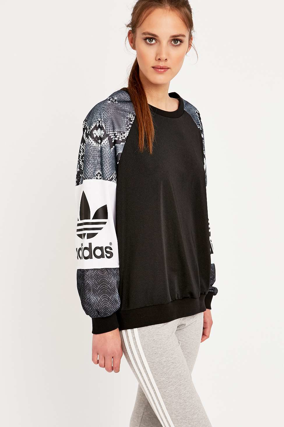 2da24c961814 adidas-black-black-la-crewneck-sweatshirt-product-0-342947204-normal.jpeg