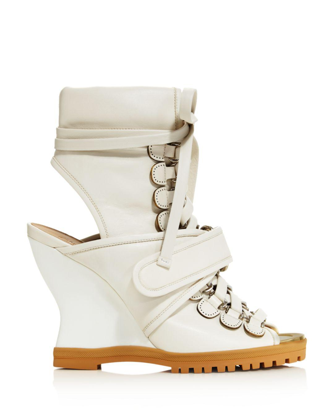 26568c2b1803 Chloé Women s River Open Toe Leather Ankle Booties in White - Lyst