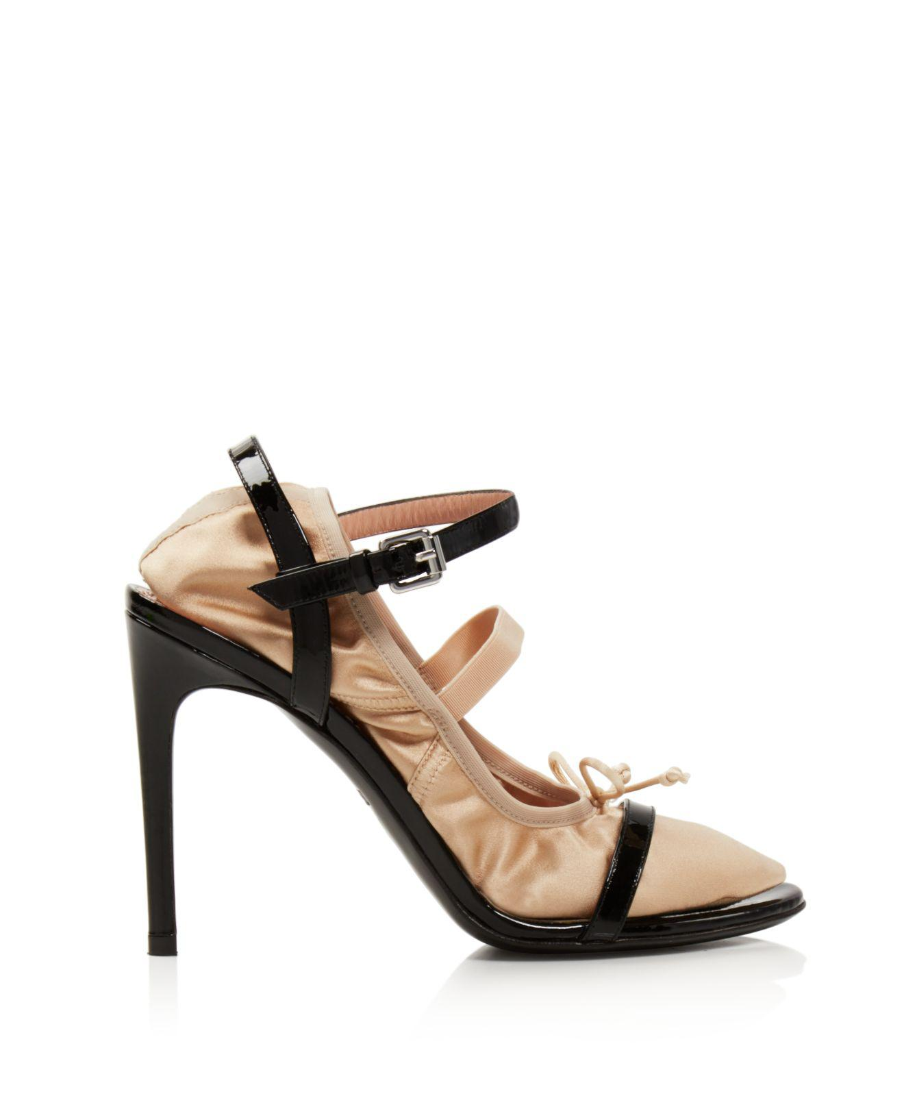 Moschino Women's 2-in-1 Patent Leather & Satin Ankle Strap Sandals KsRxlj6Ba