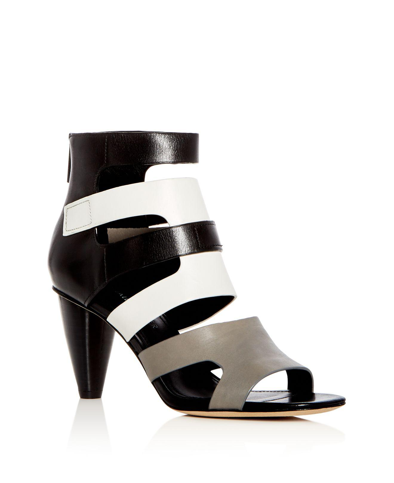 Donald Pliner Women's Watson Gingham-Print Color-Block Leather Block Heel Sandals Qb2Hb4