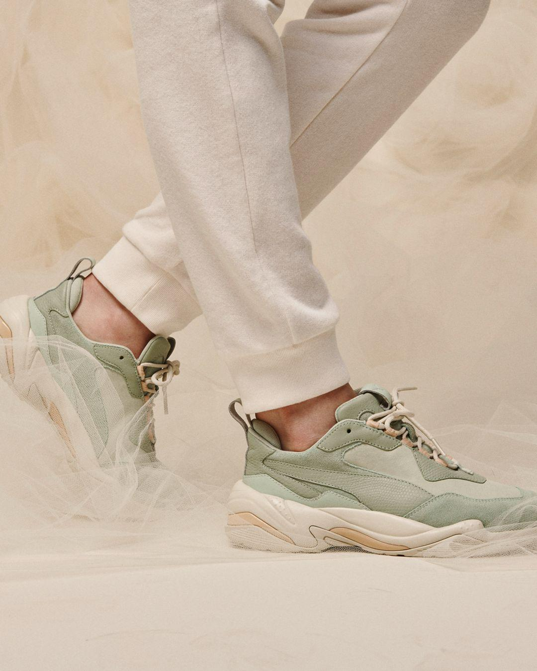 puma thunder desert green trainers