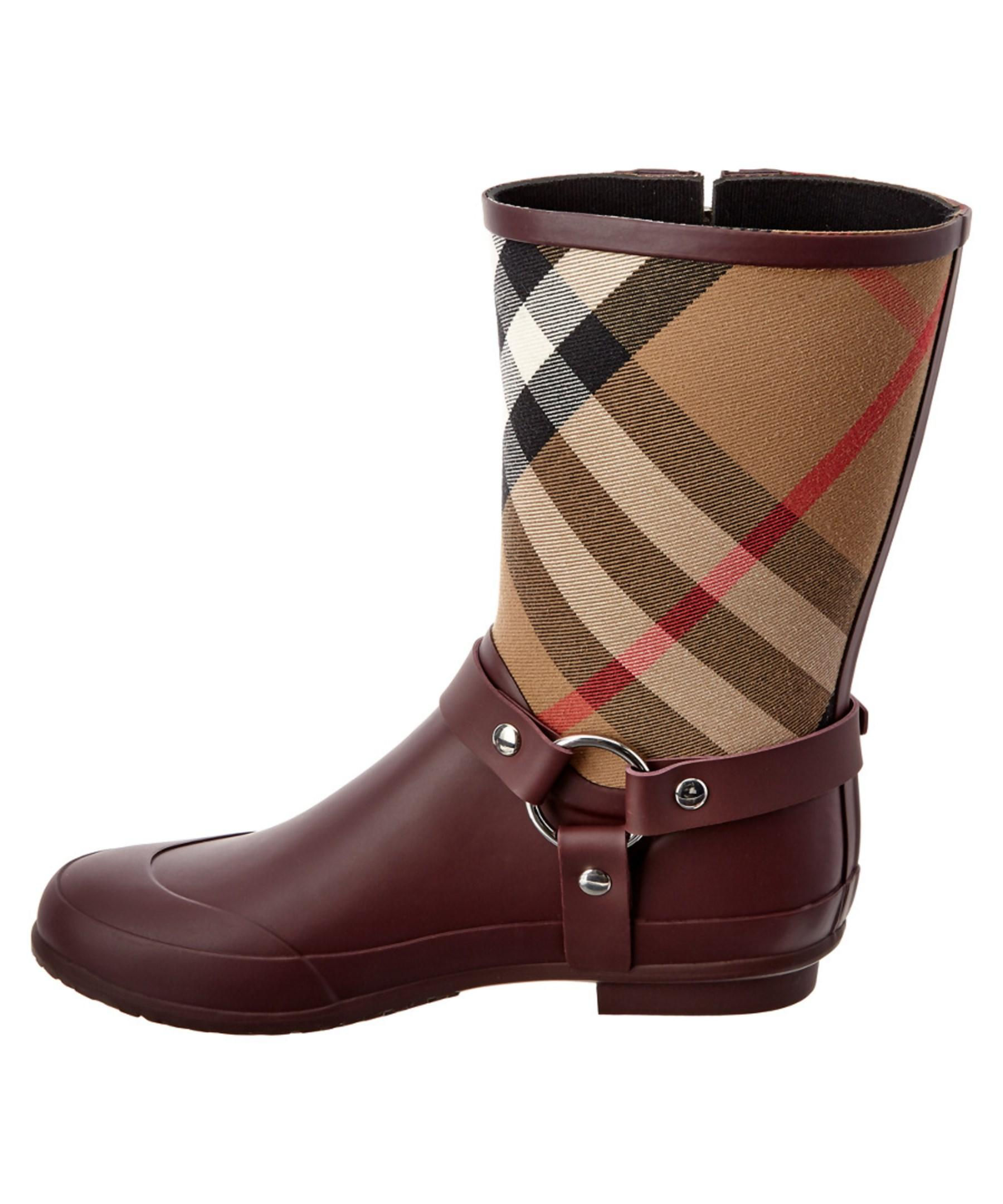 how to clean burberry rain boots