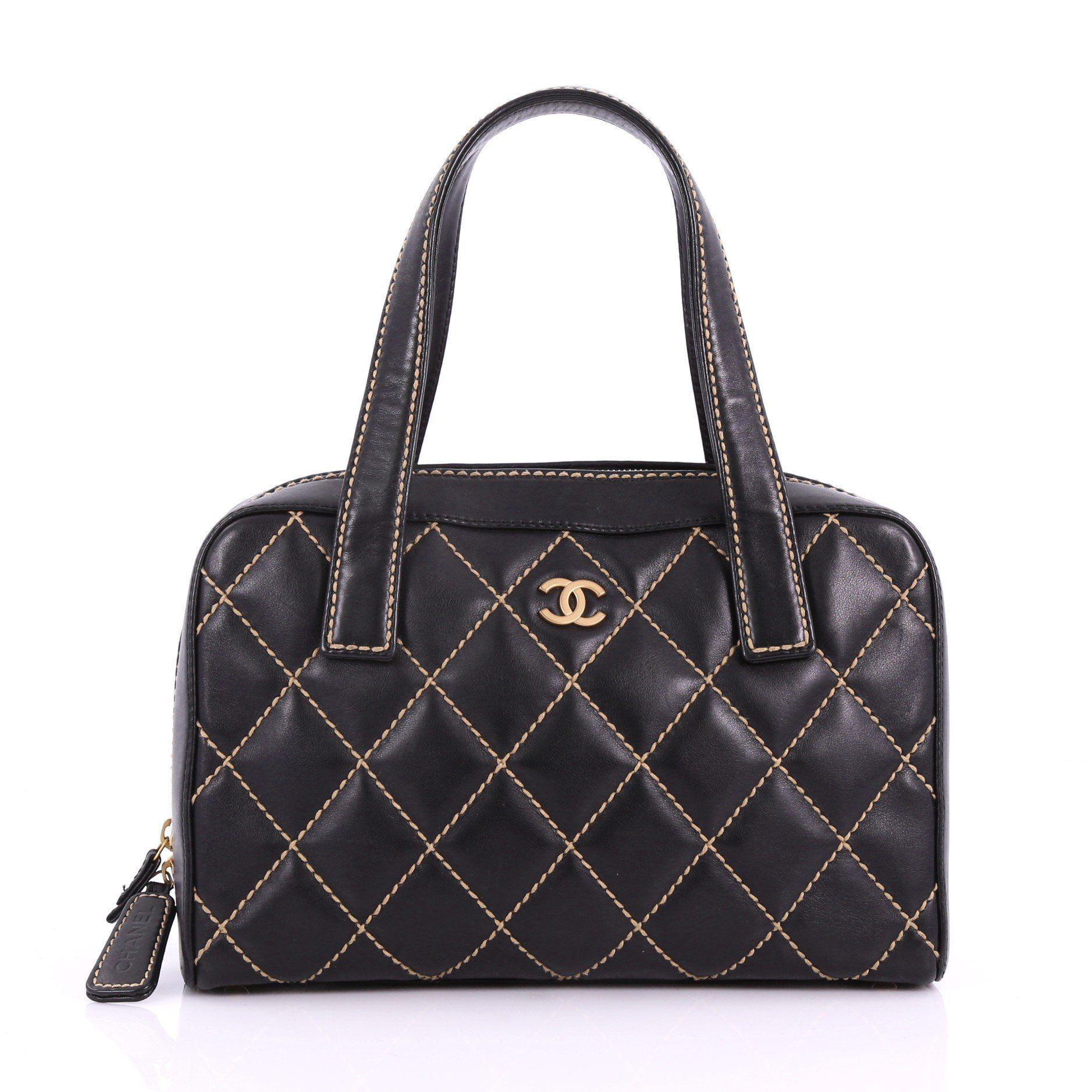 76c34bb5e6edb5 Chanel. Women's Black Pre Owned Surpique Zip Around Satchel Quilted Leather  Medium