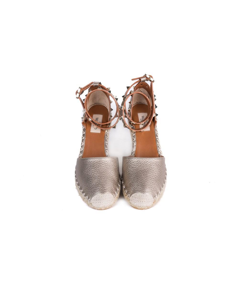 56a54967d2a5 Lyst - Valentino Skin Beige Rockstud Espadrille Wedge Sandals in Brown