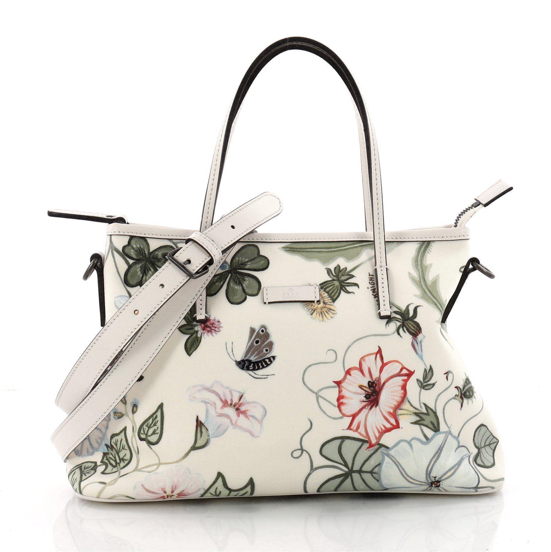 cc2b48959e4 Gucci. Women s Pre Owned Convertible Zip Tote Flora Canvas Medium