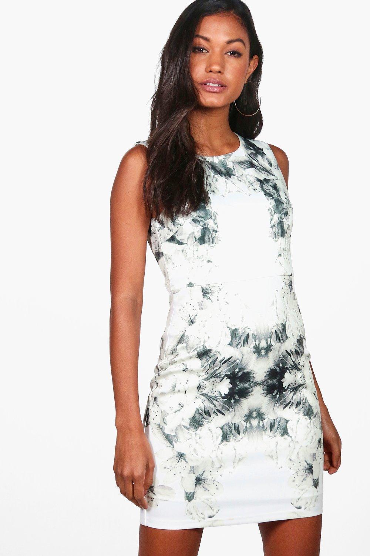 9de85214e4932 Lyst - Boohoo Mia Placement Print Sleeveless Bodycon Dress