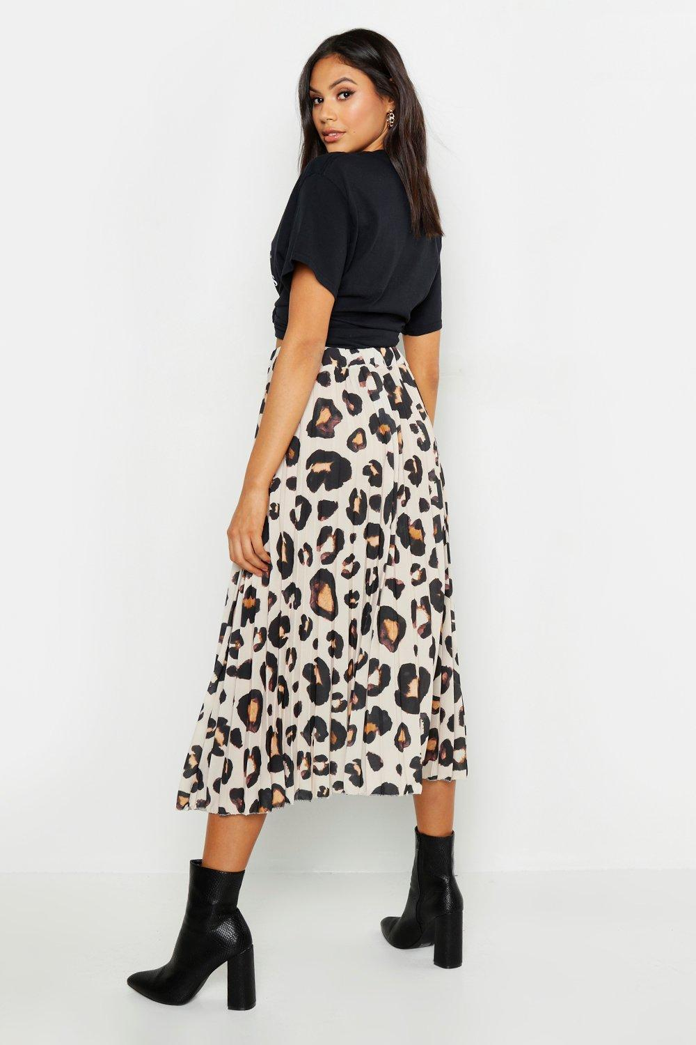 4b8f88f55a52 Damenmode Boohoo Womens Tall Polka Dot Star Print Asymmetric Skirt