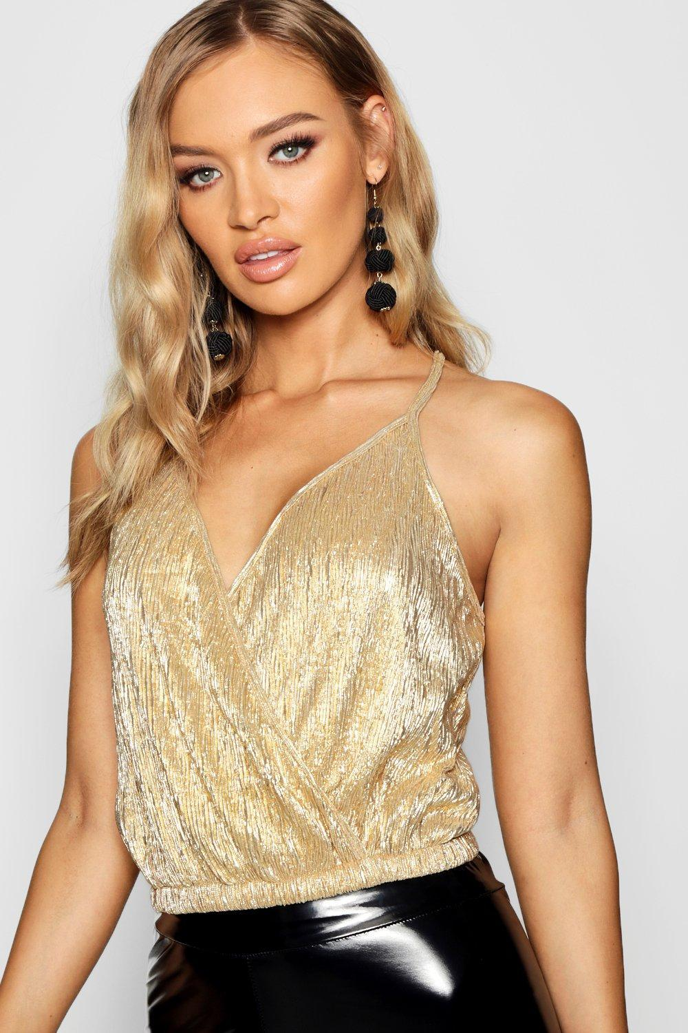 8a7cf7a2739fe Lyst - Boohoo Metallic Wrap Crop Top in Metallic