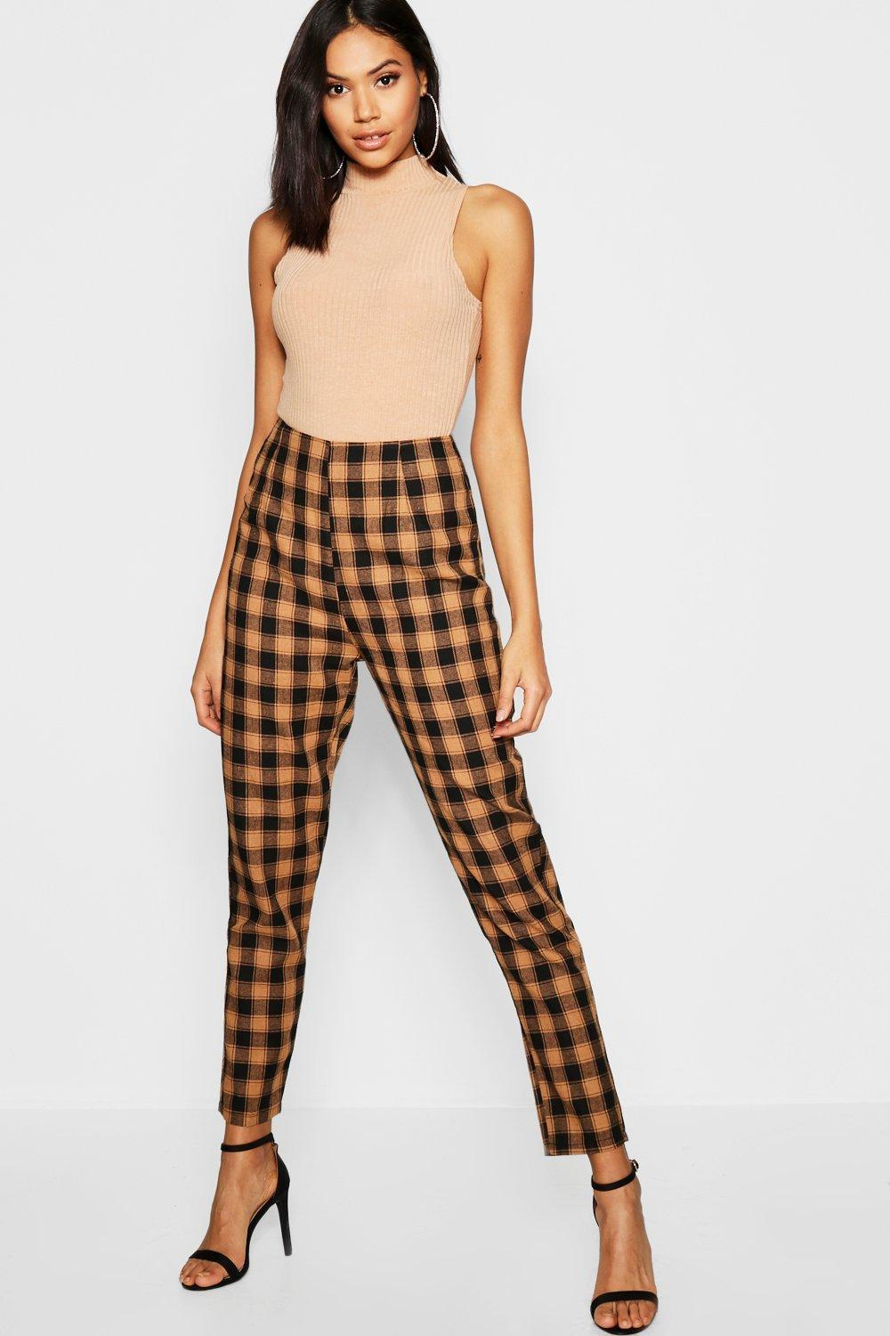 6dd0cd583ff5 Boohoo. Women's Brown Woven Check Print Tapered Trousers