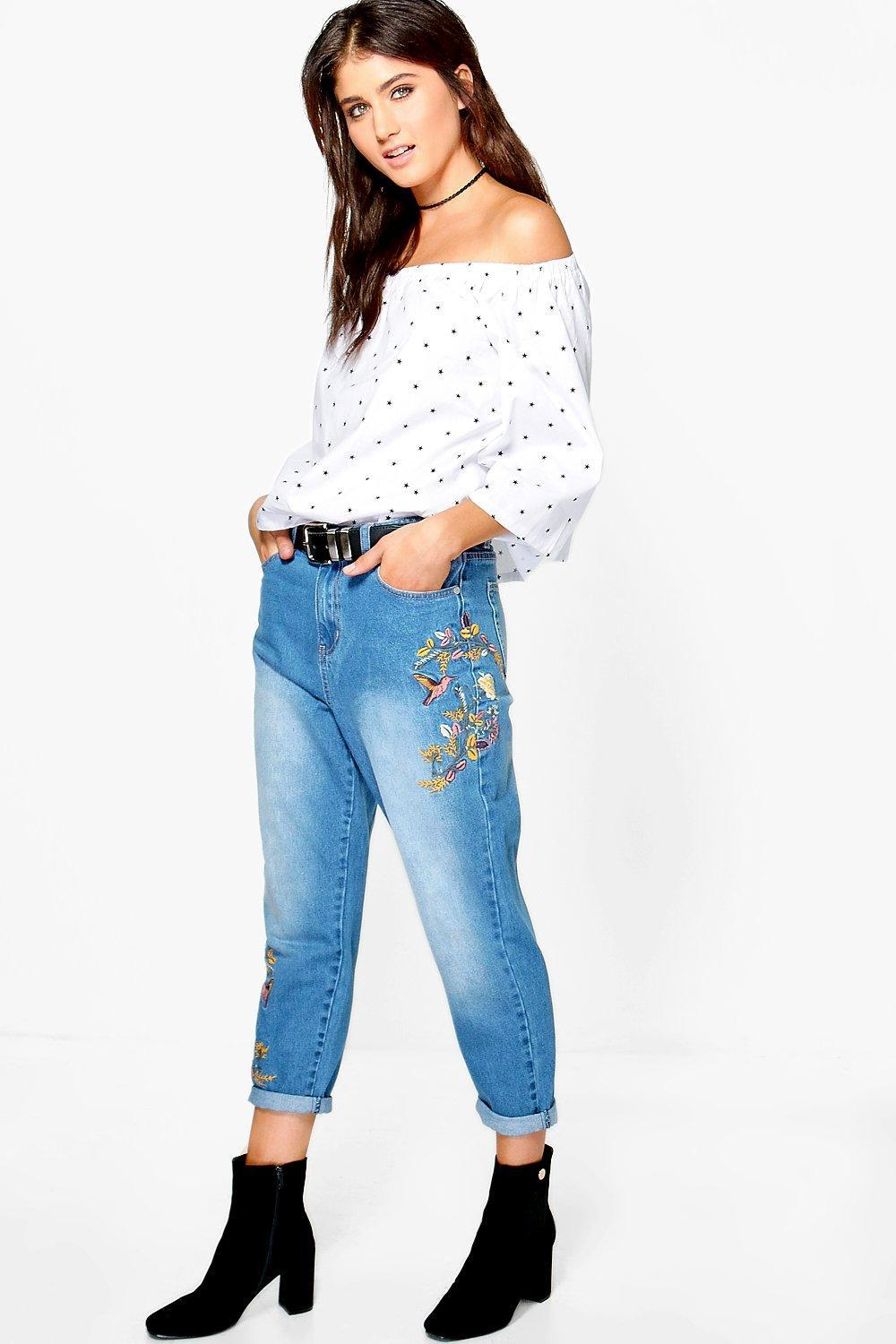 Boohoo kayla embroidered mom jeans in blue lyst