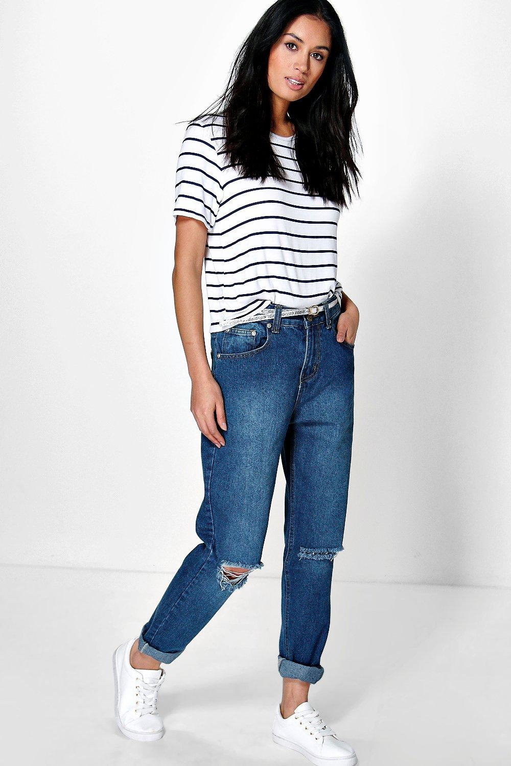 Boohoo Hatty High Dark Wash Distressed Boyfriend Jeans in Blue | Lyst