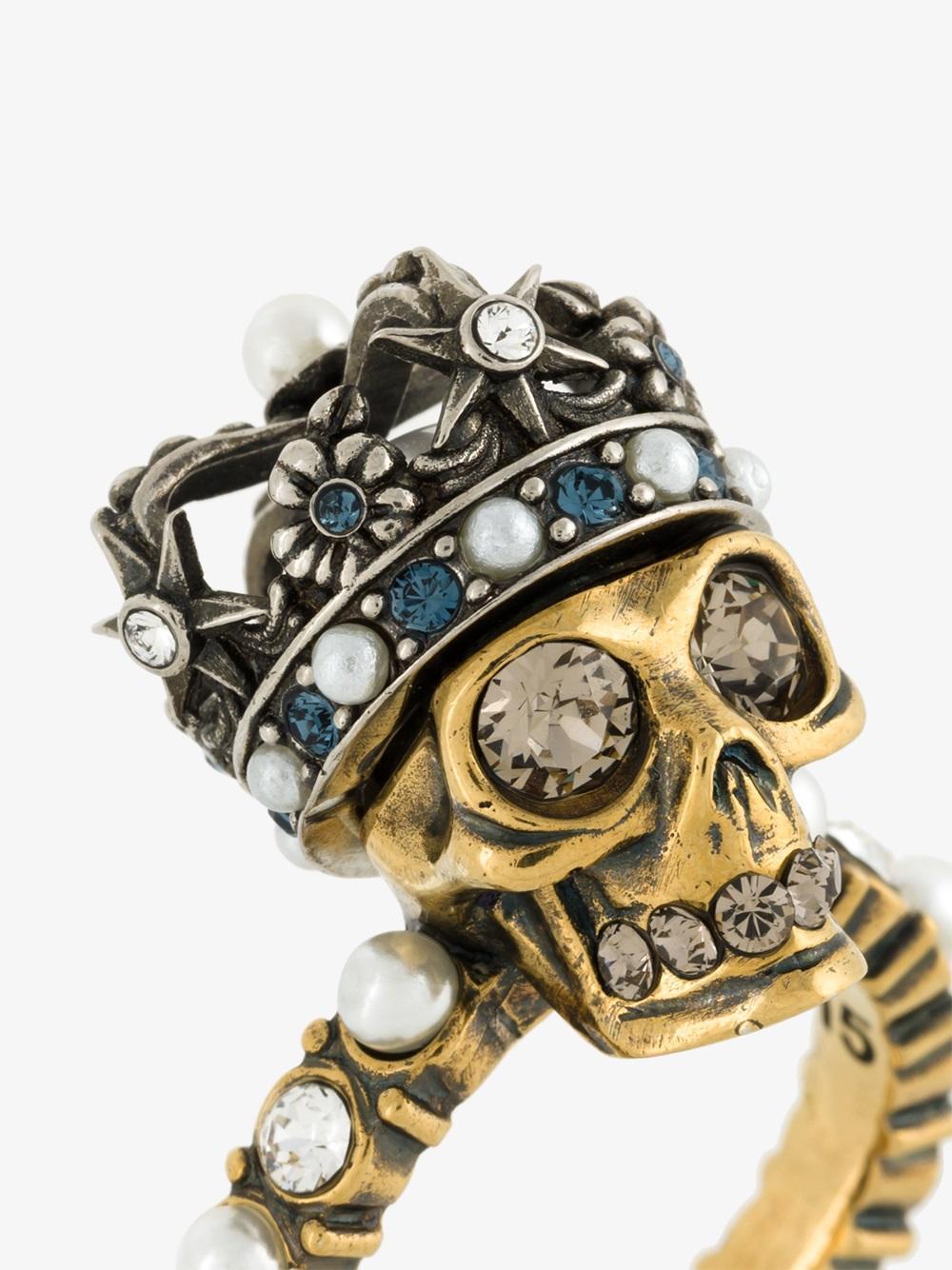 Lyst Alexander Mcqueen King Skull Ring In Metallic