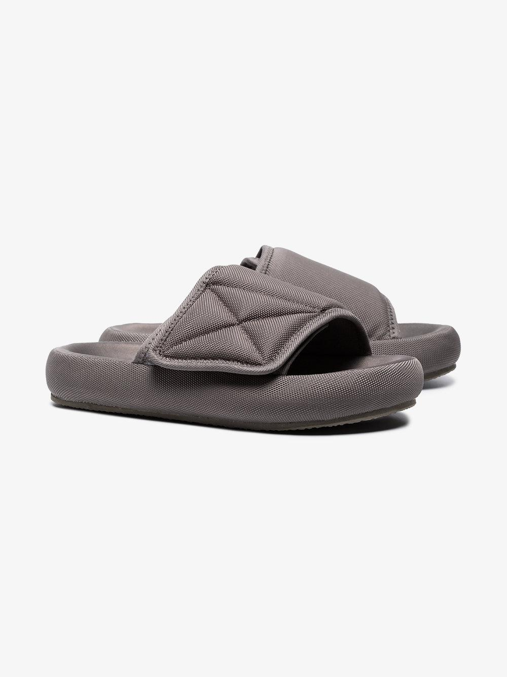 52d967985a7 Lyst - Yeezy Grey Flatform Slippers in Gray