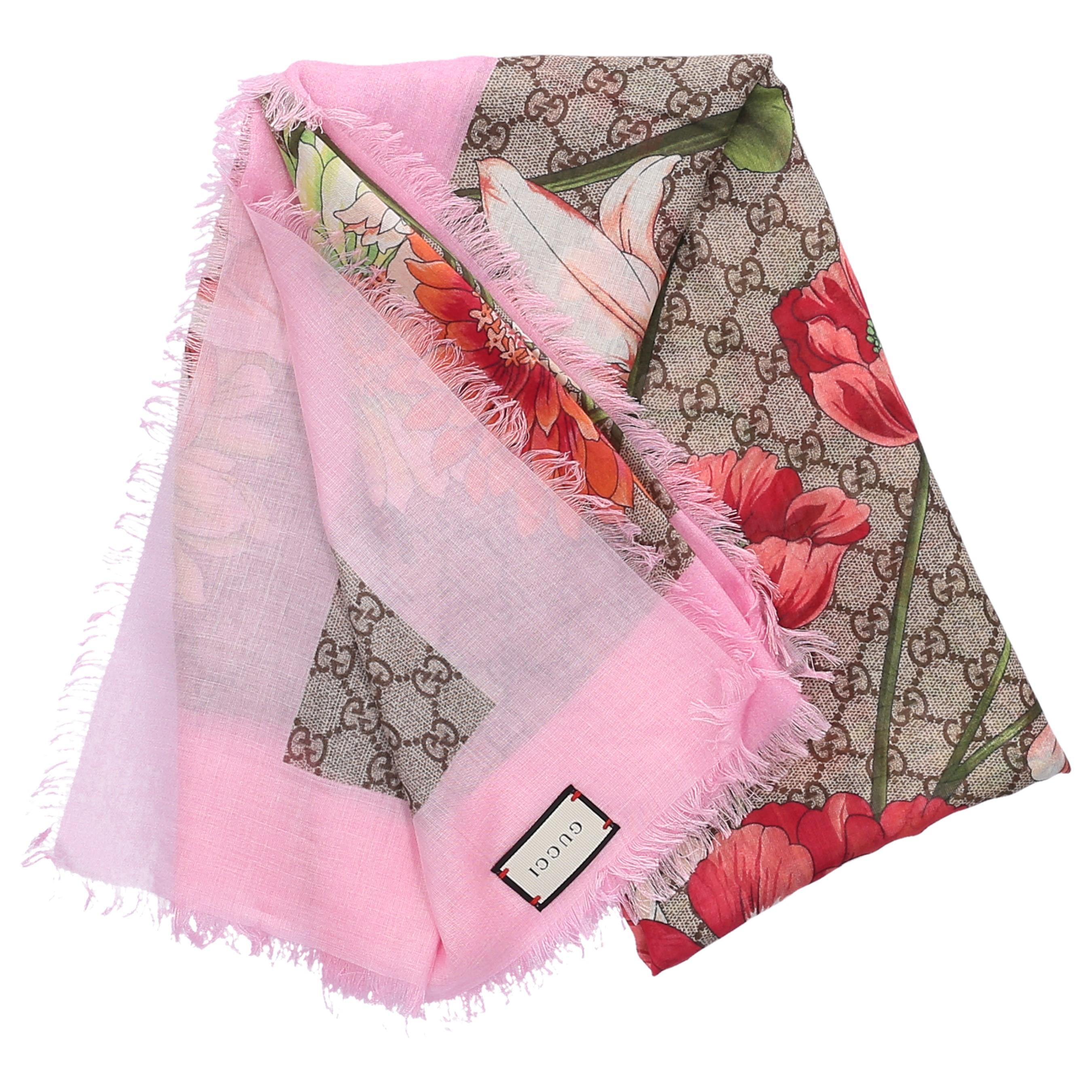 9c693860eb923 Gucci Schal 3G856 Baumwolle Logo Blumenmuster rosa beige in Pink - Lyst