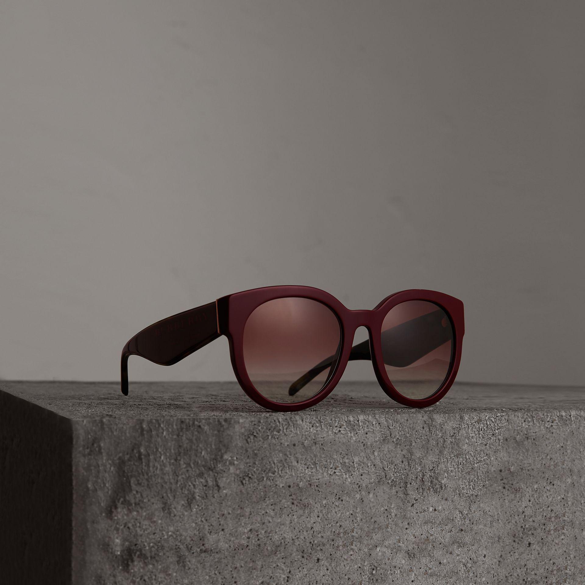40deb83a5234 Lyst - Burberry Round Frame Sunglasses