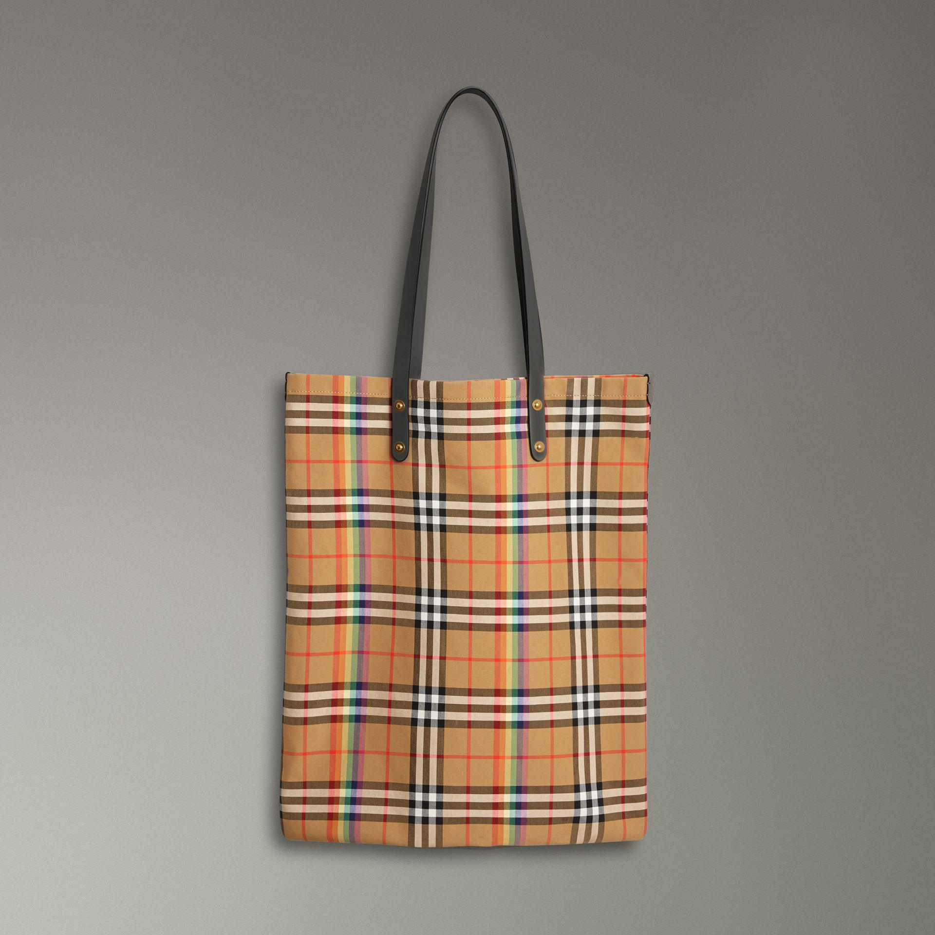 c34329a40 Burberry Large Rainbow Vintage Check Shopper in Gray - Lyst